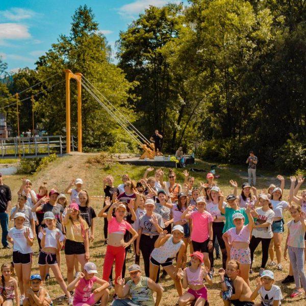 uczestnicy letniego obozu summerart